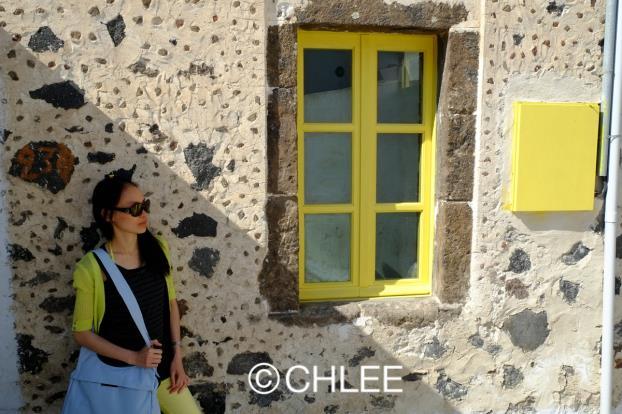 希腊圣托里尼岛上的皮尔戈斯镇。(筱林子提供)