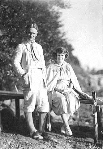 F_Scott_Fitzgerald_and_wife_Zelda_September_1921.jpg
